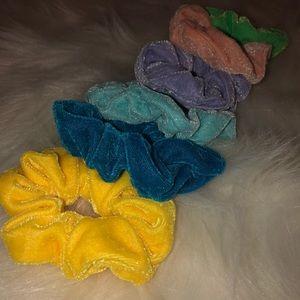 Scrunchies hair ties
